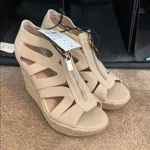 Zip up Wedges